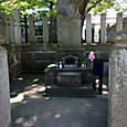 2015年5月23日 阿弥陀寺 斉藤一の墓碑